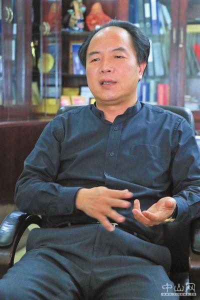 聚丰董事长_粤丰集团董事长图片
